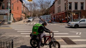 Food delivery apps file suit against NYC over pandemic fee caps