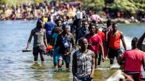 Del Rio, Texas migrants: US tries to block border, begins flying Haitians home