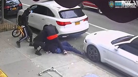 VIDEO: Trio beats, stab teen in Manhattan