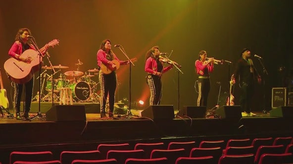Flor de Toloache, NYC's first all-female mariachi band