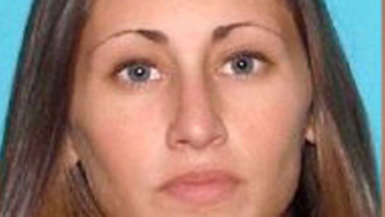 New Jersey teacher accused of sending nude photos
