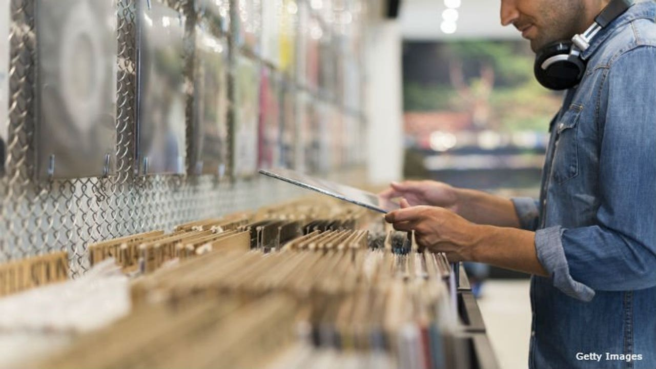 Collection of 21,000 vinyl records donated to thrift stores