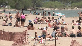 Milwaukee's beaches popular spots on warm Memorial Day: 'Largest number of people we've seen so far'