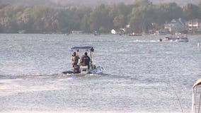 'Recovery operation:' 22-year-old man disappeared in the water while swimming in Pewaukee Lake