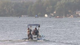 22-year-old man disappeared in the water while swimming in Pewaukee Lake