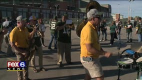 Proud Packers fans: Many love the green and gold even if they don't call Wisconsin home