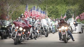 'Respect to our fallen:' Motorcyclists place flags at memorial park on Memorial Day weekend cruise