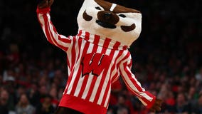 Badgers use balanced attack to defeat rival Marquette 77-61