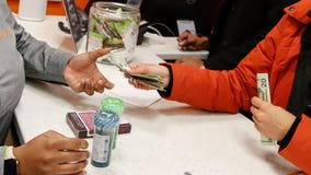 Illinois sees first legal sales of recreational marijuana