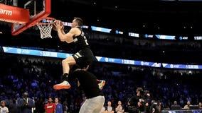 Bucks' Pat Connaughton leaps over MVPs in NBA dunk contest
