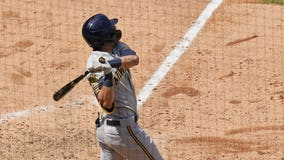 Yelich, Smoak homer, Brewers top Cubs 8-3 in testy matchup