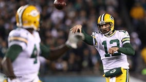 Aaron Rodgers shows of arm in new State Farm commercial