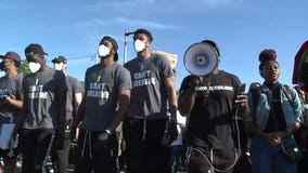 WATCH: Antetokounmpo, other Bucks players join Milwaukee protest