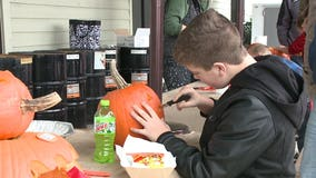 Riders visit House of Harley-Davidson, bring non-perishable food for Hunger Task Force