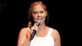 Amy Schumer supports Kaepernick, sits out Super Bowl ads