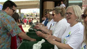 Bring 3, get in free! Hundreds help Stomp Out Hunger before heading in to Summerfest