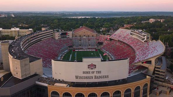 Wisconsin football to play in front of capacity crowds in 2021