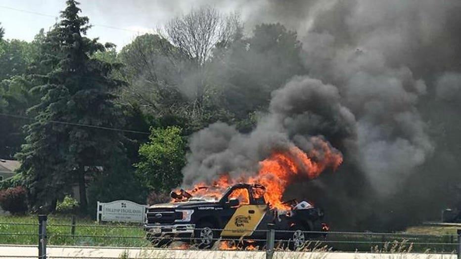 Truck fire on I-41 SB in Germantown (Credit: Heather Chapman)