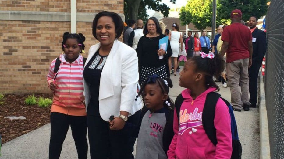 MPS Superintendent Dr. Darienne Driver walking in with students
