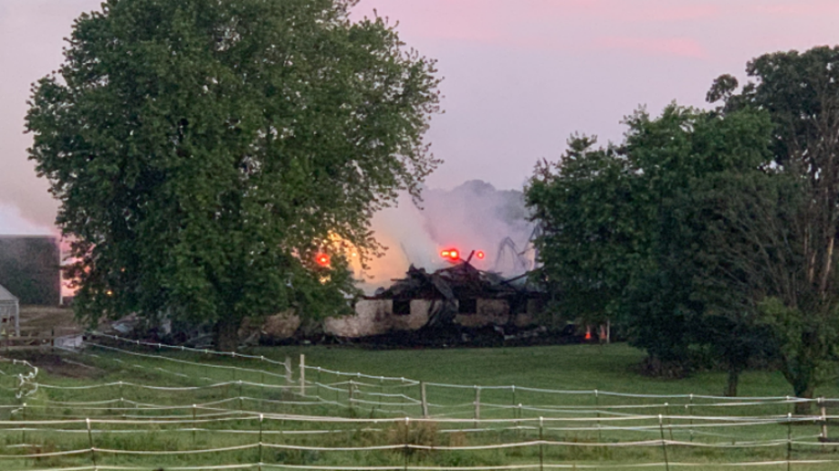 Dodge County barn fire (Courtesy: WMTV)