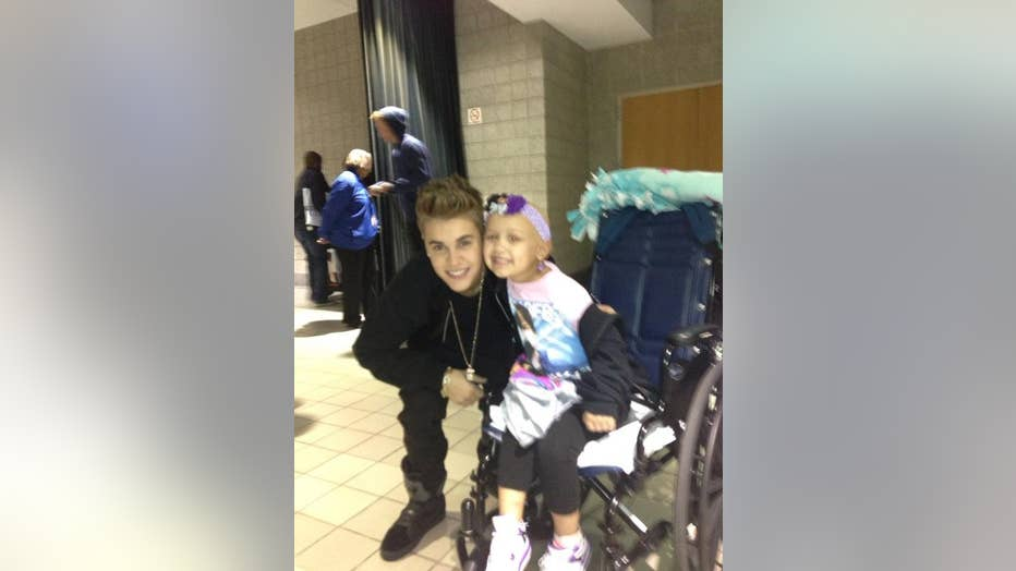 Hailey Roser and Justin Bieber (Photo courtesty of @HealingHailey/Twitter.com)