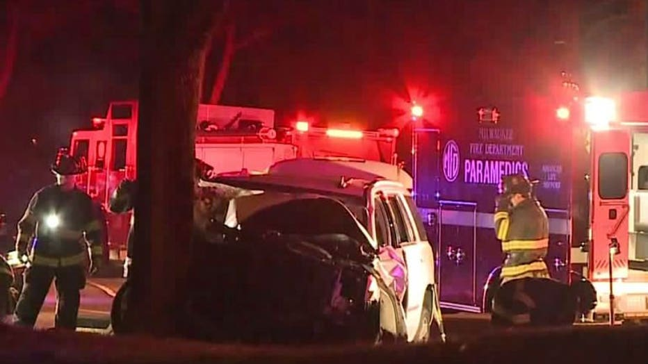 Driver crashes into tree along Lake Drive in Milwaukee while fleeing from police