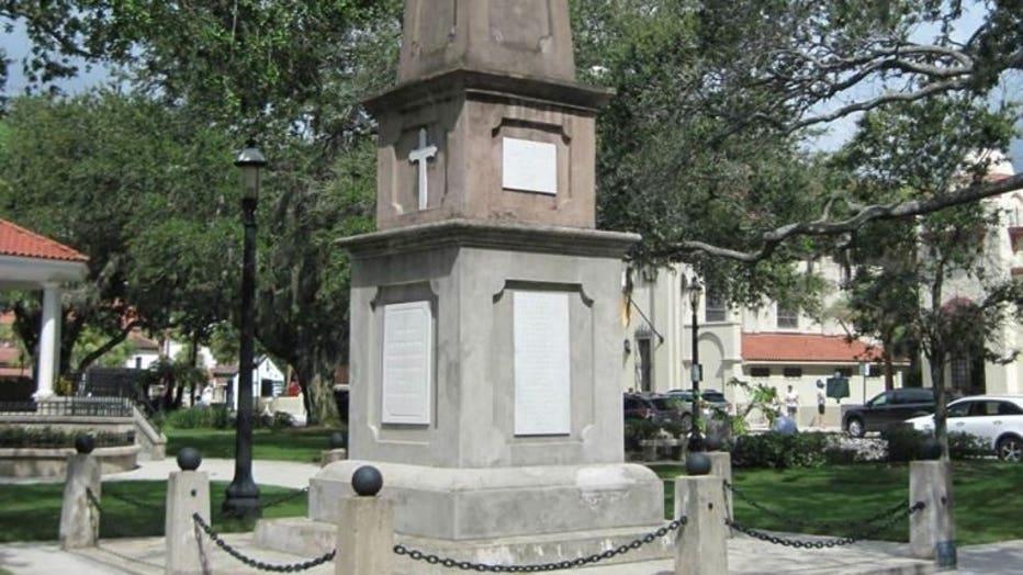 Confederate Memorial from the Plaza de la Constitución (City of St. Augustine)