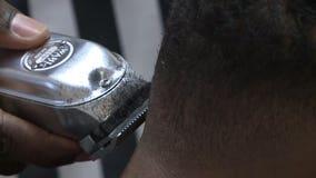 'We're opening up:' Talk among customers at Milwaukee barbershop swirls around 2020 DNC