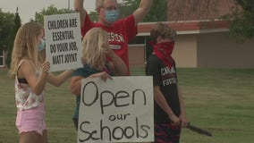 Mequon-Thiensville parents protest, calling for in-person learning this fall