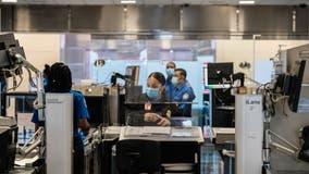 TSA: Holiday travelers should check list, take precautions