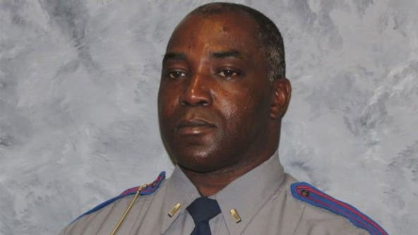 Mississippi trooper fatally shot working part-time job driving USPS mail truck: reports