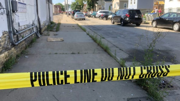 Police: Double shooting near 15th and Mitchell leaves 1 dead, 1 injured