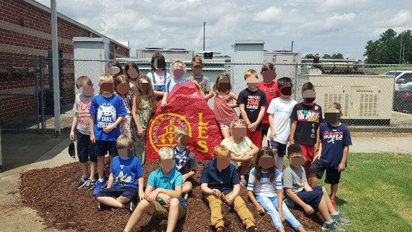 Group photo of Georgia 3rd grade class without masks sparks controversy