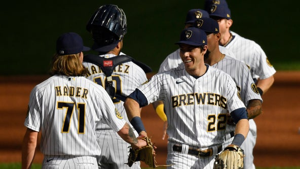 Daniel Vogelbach belts two homers as Brewers down Royals 5-3