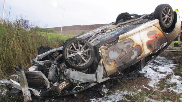 State trooper pulls driver, suspected of OWI, from burning car