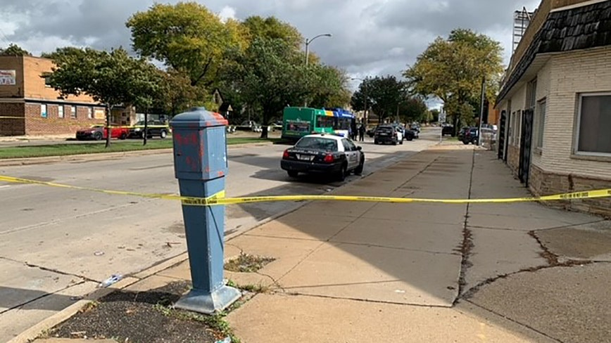 Milwaukee police investigate shooting near Fond du Lac & Townsend