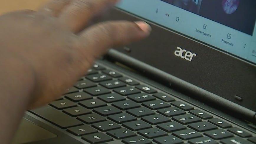 Milwaukee group's hotspots bridge digital divide