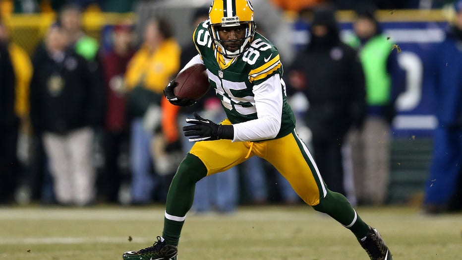 GREEN BAY, WI - JANUARY 05: Wide receiver Greg Jennings #85 of the Green Bay Packers runs after a catch against the Minnesota Vikings during the NFC Wild Card Playoff game at Lambeau Field on January 5, 2013 in Green Bay, Wisconsin. (Photo by Jonathan Daniel/Getty Images)