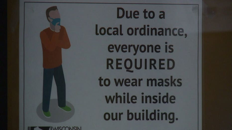 sign about Milwaukee mask mandate