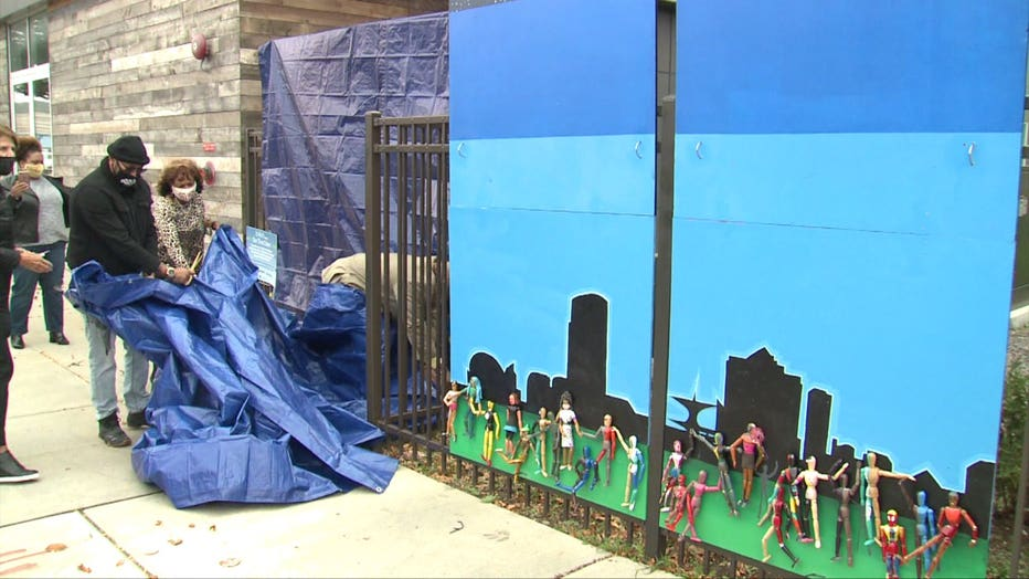 Mural unveiled in Milwaukee