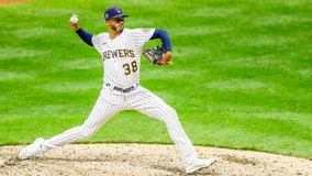 Brewers' Devin Williams named NL Reliever of the Year