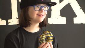 'Donut worry, be happy:' Wauwatosa teen has own Cranky Al's donut