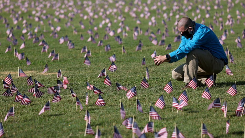 200,000 American Flags Installed On National Mall To Memorialize 200,000 COVID-19 Deaths