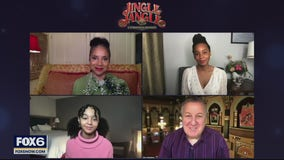 Gino talks with the cast of 'Jingle Jangle: A Christmas Journey'