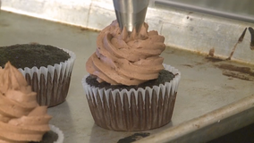 'Make people smile:' Cupcake shop asks the community for help