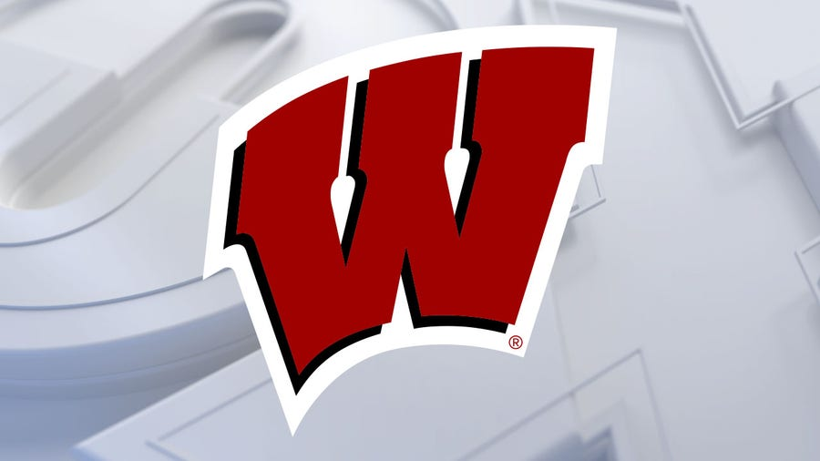 Illinois completes season sweep of Wisconsin with 74-69 win