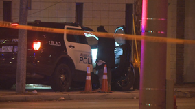 Milwaukee police officers injured in pursuit, crash