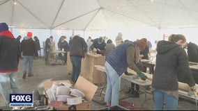 Jockey, Sleep In Heavenly Peace team up to build beds for kids in need