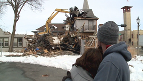 After devastating fire, what's left of 'the cheel' demolished