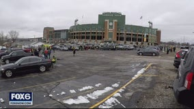 Packers fans revel in Lambeau Field's playoff atmosphere